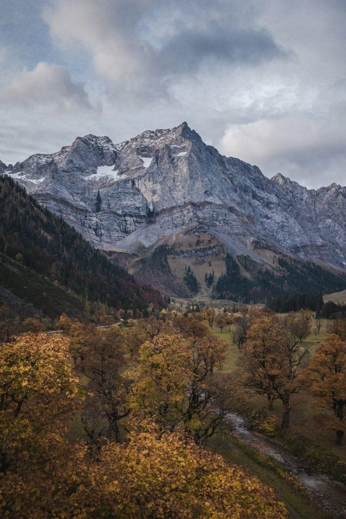 alps-alpen-autumn-fall-mountains-valley-canyon
