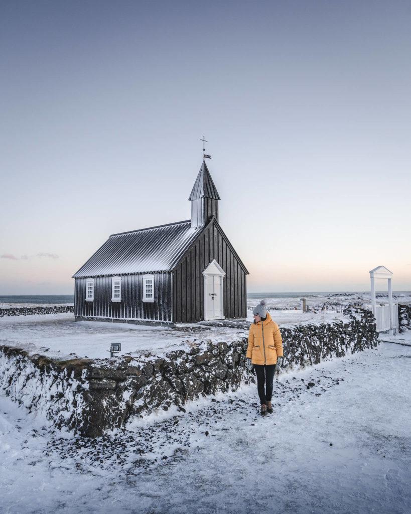 snaefellsness-peninsula-budakirkja-black-church-island-islandia