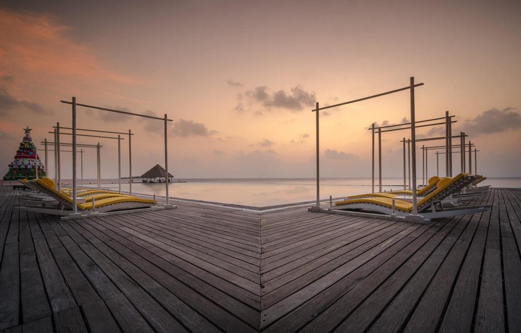 caribbean-islands-sunset-pool-relax