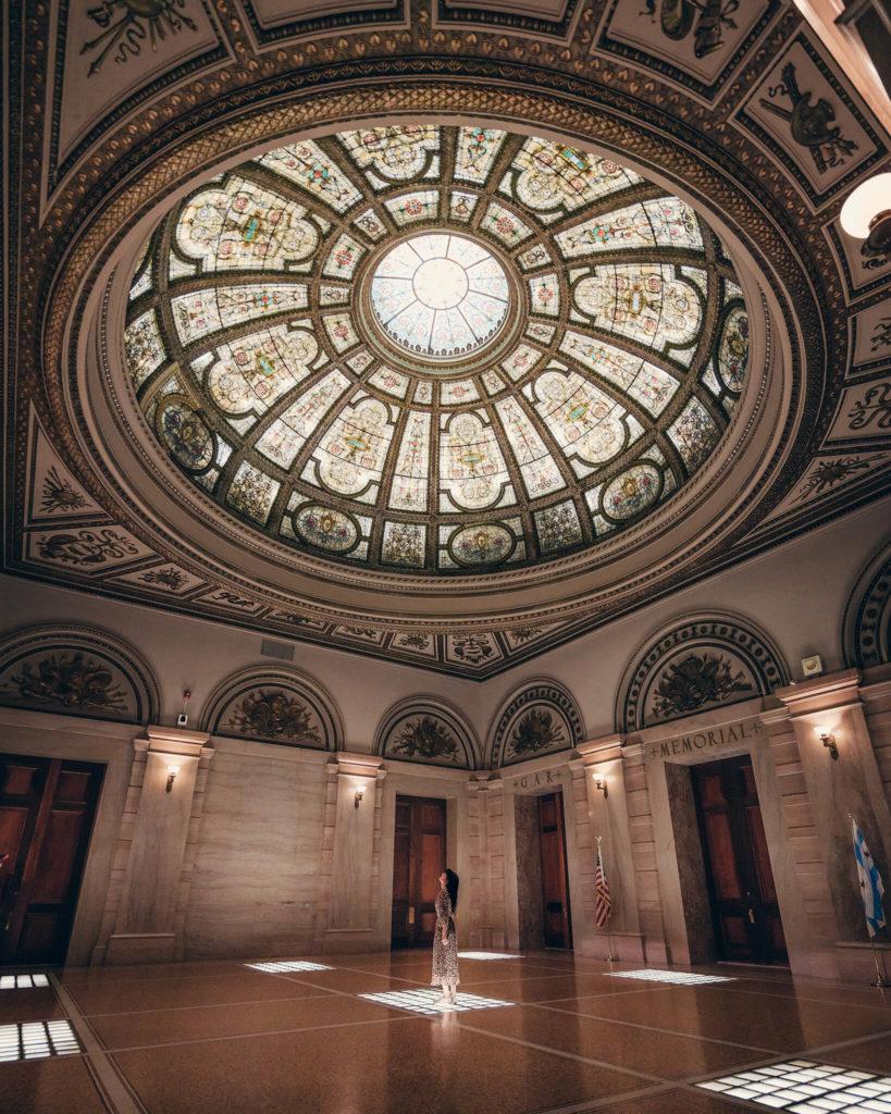 glaskuppel-kulturzentrum-artist-kuenstler-pantheon-lightning-labyrinth