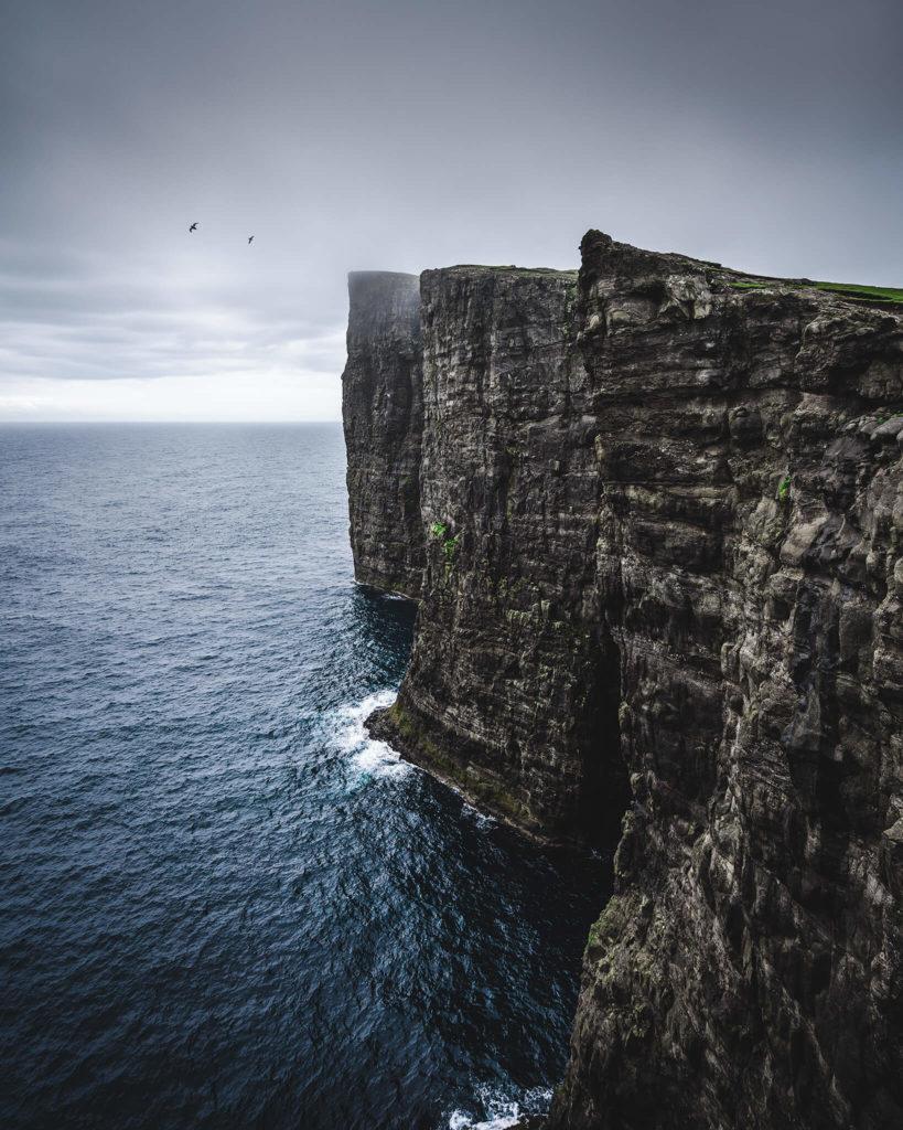 faroe-islands-dranganier-midvagur-coastline