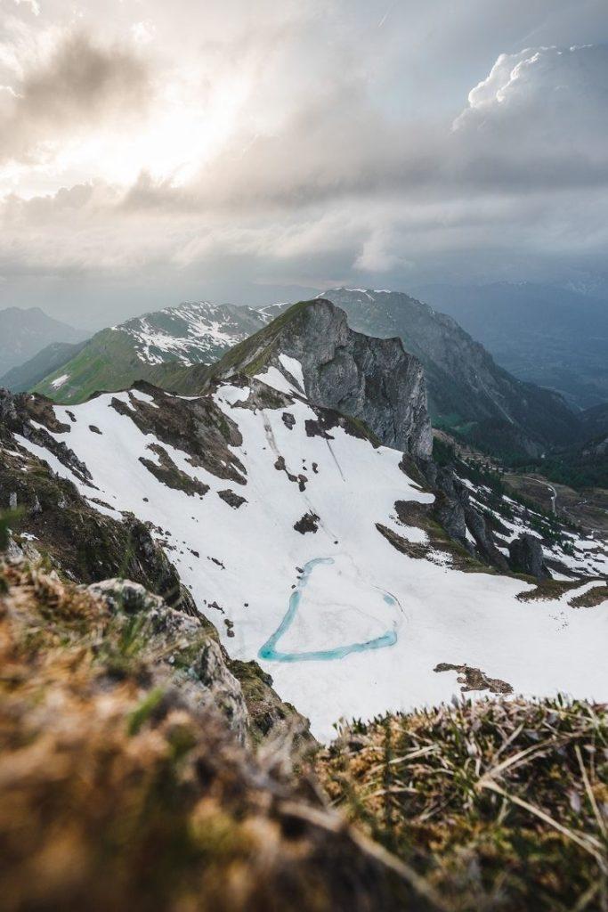 frozen-lake-climbing-moody-sky-wolkenhimmel