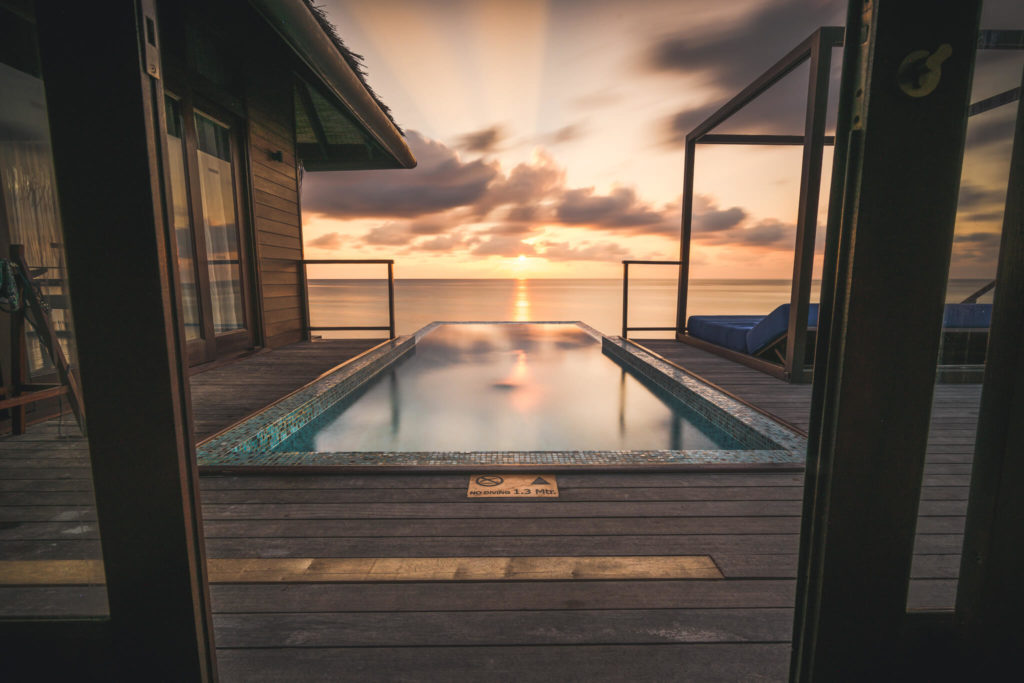 indian-ocean-islands-maldives-malediven-president-villa-pool
