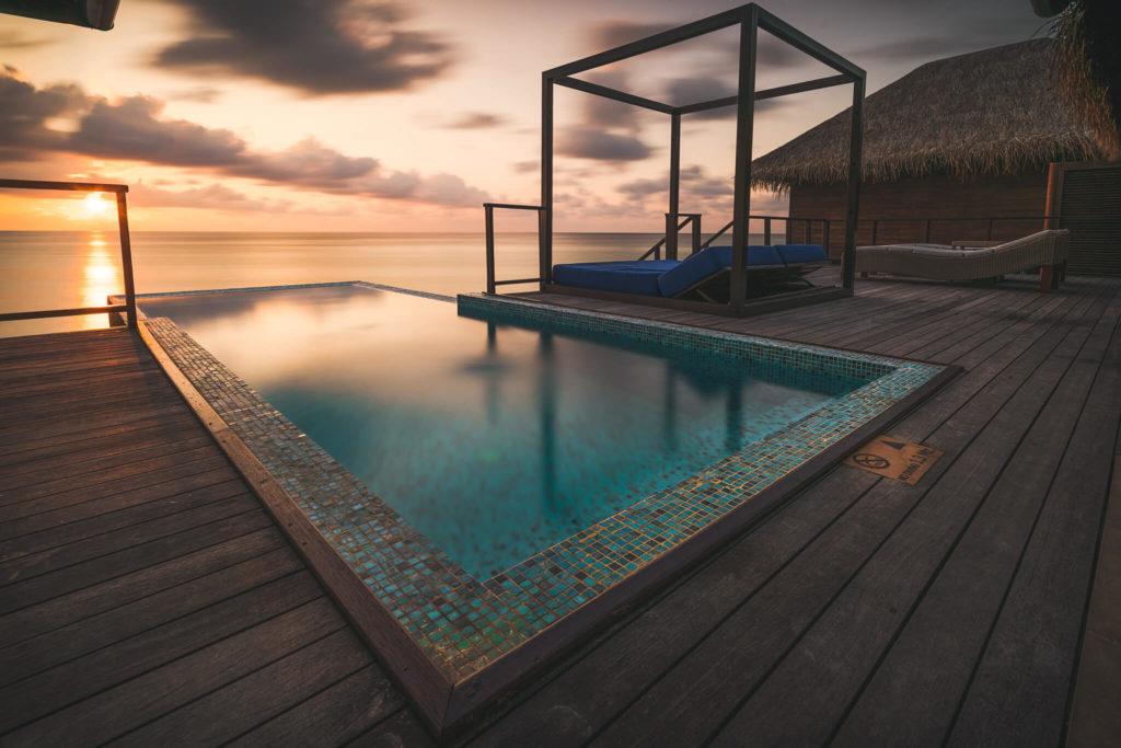 indian-ocean-islands-maldives-malediven-watervilla-overwatervilla-sunset