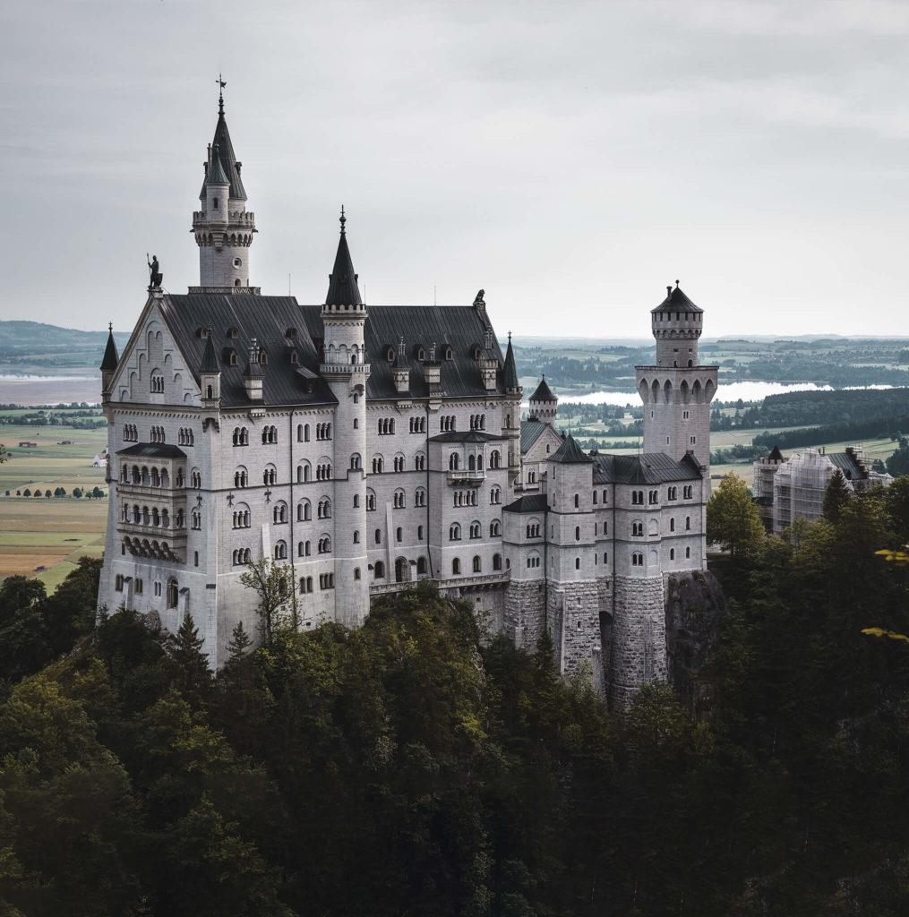 castle- neuschwanstein-cindarella-king-ludwig