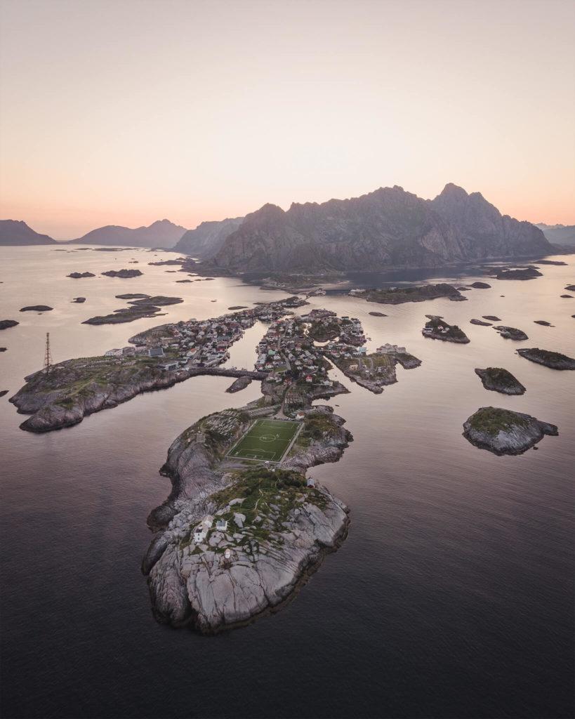 norways-lofoten-islands-heningsvaer-soccer