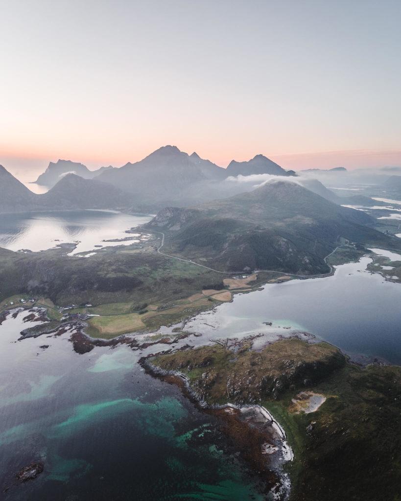 norways-lofoten-islands-offersoykammen-fjord