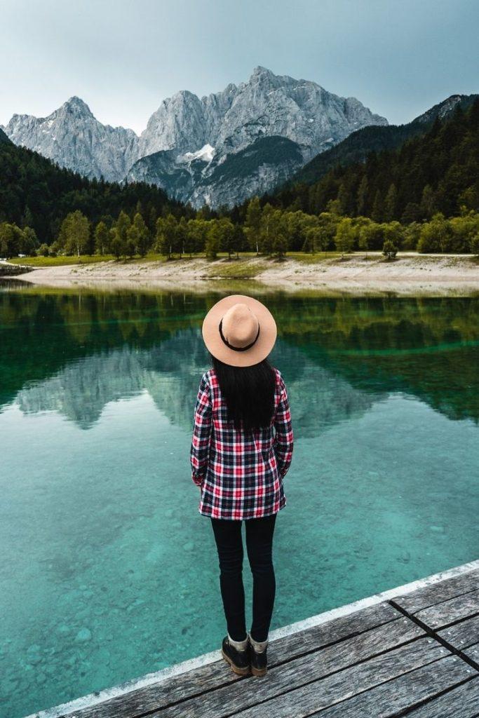 slovenia-slowenien-lake-jasna-jezero-mountains